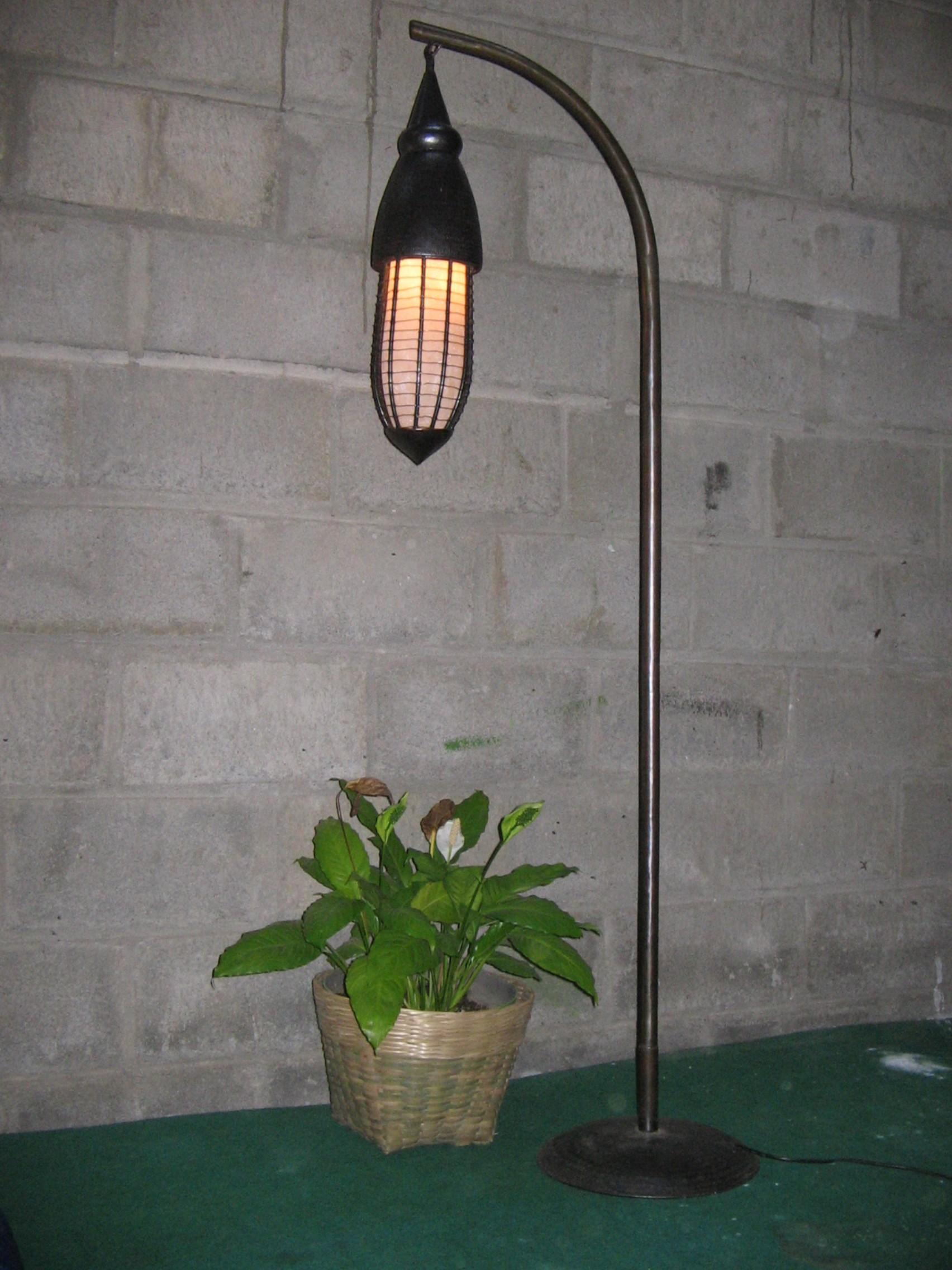 Lampu Taman Kuningan Tembaga