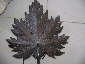 pajangan dinding daun