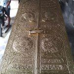 Ornamen Pintu Masjid Nabawi Khas Timur Tengah