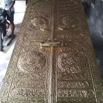 Kaligrafi Masjid Tembaga Kuningan Khas Tumang