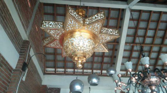 lampu gantung kuningan